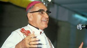 San Salvador: Erzbischof Oscar Romero bei der Predigt